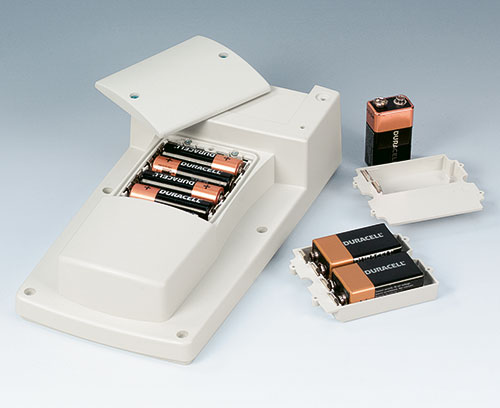 Battery compartment 4 x AA, 1 x 9 V or 2 x 9 V cells